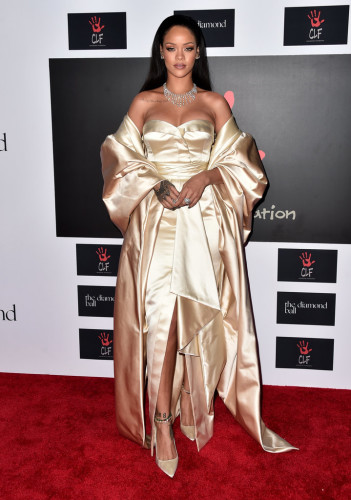 Celebrities-Rihanna-Diamond-Ball-2015-Pictures rihaana