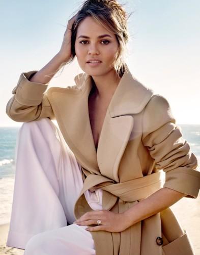 Chrissy-Teigen-Vogue-Thailand2