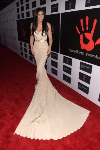 Kylie-Jenner-Rihanna-Clara-Lionel-Foundation-665x1000