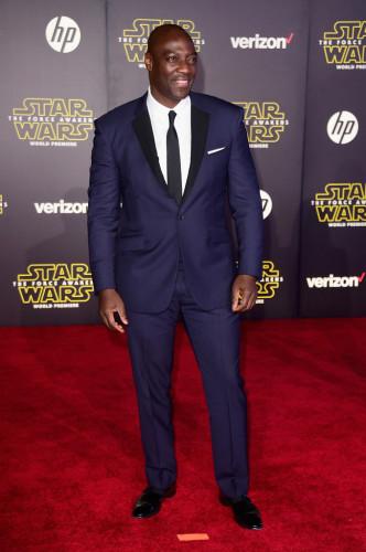 Premiere-Star-Wars-Force-Awakens-Arrivals-adewale-664x1000