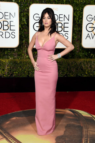 GoldenGlobeAwardsArrivals-katy-perry