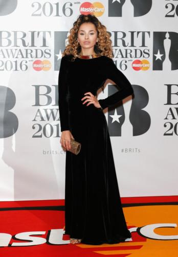 Brit-Awards-2016-Red-Carpet-Arrivals-ella-eyre-