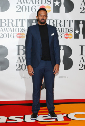Brit-Awards-2016-Red-Carpet-craig-david-