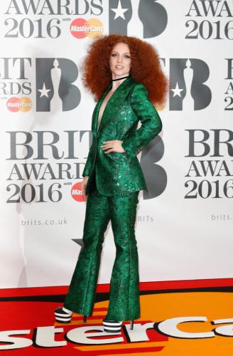 Brit-Awards-2016-Red-Carpet--jess-glynne-