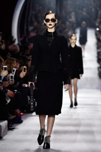 Christian+Dior+Runway+Paris+Fashion+Week+Womenswear+B2BRo__FHs1l