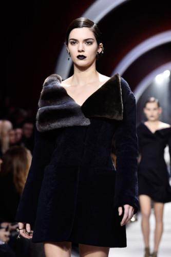 Christian+Dior+Runway+Paris+Fashion+Week+Womenswear+bMK1L-RbEJKl