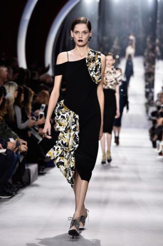 Christian+Dior+Runway+Paris+Fashion+Week+Womenswear+bMiy4dOjb49l