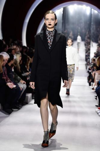 Christian+Dior+Runway+Paris+Fashion+Week+Womenswear+jXKCPQyhuQul