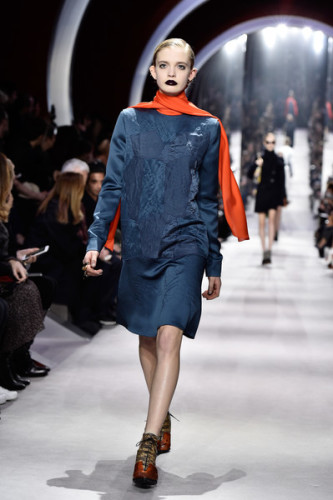 Christian+Dior+Runway+Paris+Fashion+Week+Womenswear+zr9ePSCBJbyl