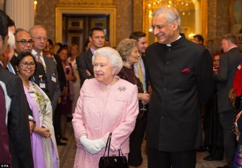 The Queen at Marlborough House (Medium)
