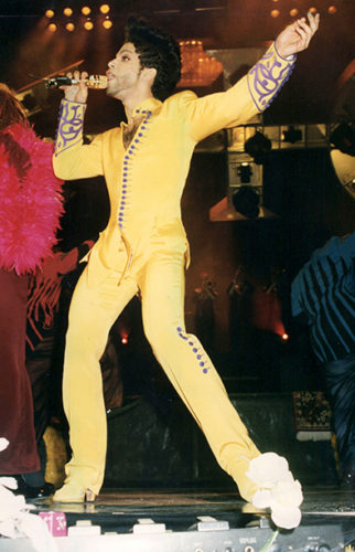 LONDON - JUNE 16: Singer Prince in concert on June 16, 1992 in London, England. (Photo by Dave Benett/Getty Images) *** Local Caption *** Prince