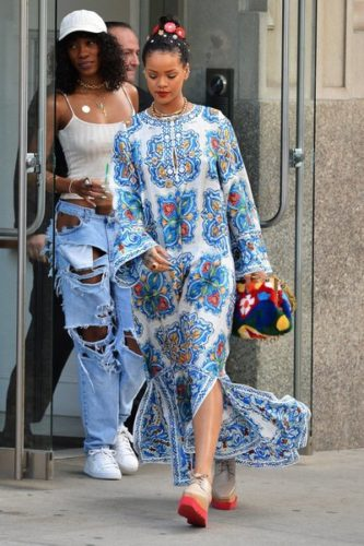 Rihanna+Out+And+About+In+NYC-1