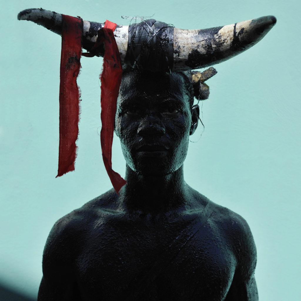 Nicola Lo Calzo, Ayiti Series, Céleur / «Launcher of rope» / Group Theodore, Taondreau / Carnival in Jacmel, Jacmel, 2013, Color print on Hahnemüle Fine Art paper, 50 x 50 cm, Courtesy of Dominique Fiat